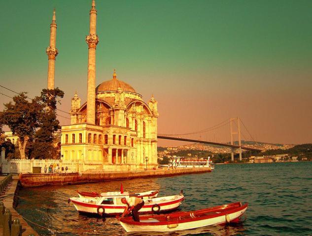 äkkilähtö Turkkiin